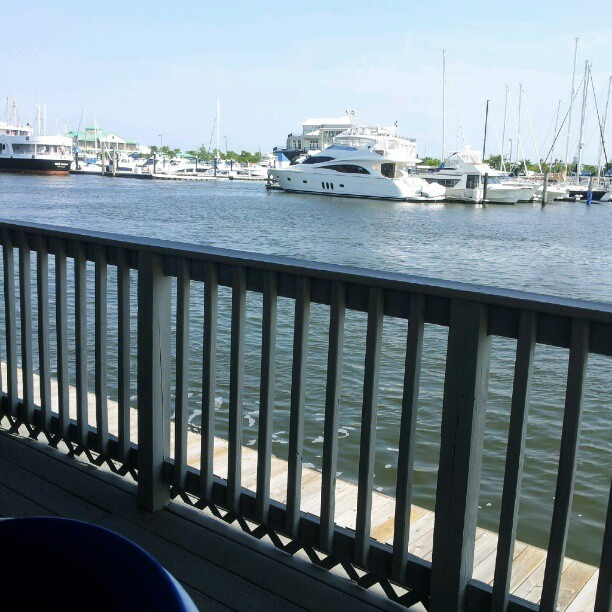 Surf City #downtown #jerseycity #hudsonriver #libertyharbor #happyhour #dateday  (Taken with Instagram)
