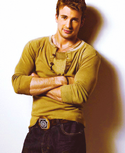 captainfantasticevans:  Top 100 pictures of Chris Evans. No.32