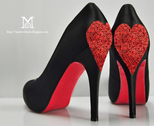 dulceetdecorus:  DIY V-Day Love shoes