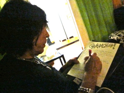 Marky Ramone writing GANZO! fanzine interview