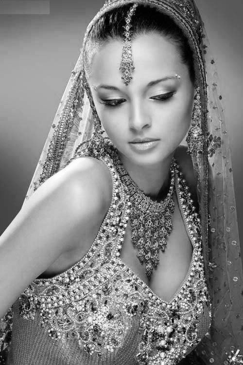 This Indian bride picture is exquisite.