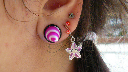please take a moment and appreciate my supernova neopet earring from TWO THOUSAND AND TWO.