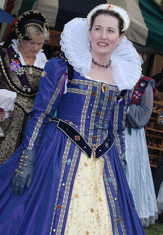 blue renaissance dress (northern california renaissance festival) http://www.flickr.com/photos/l2smp/2918732749/