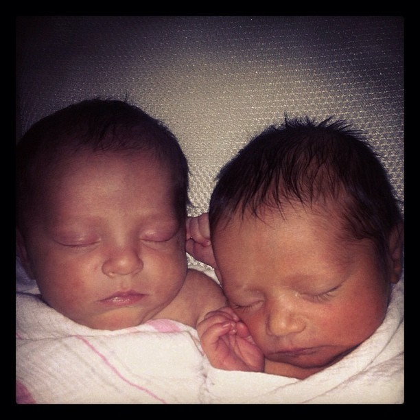 #flashbackfriday #newborns #sleepingbabies #twins #1weekold ? (Taken with Instagram)