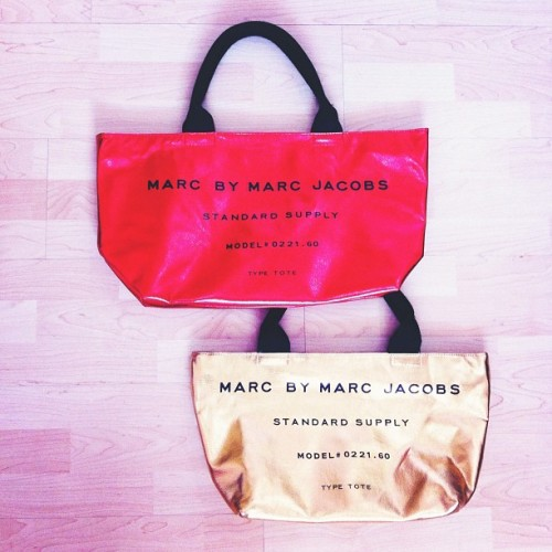 Marc by Marc Jacobs, Standard Supply, Model # 0221.60, Type: Tote. #fashion #handbags #totes #marcbymarcjacobs #marcjacobs #authenticbags #mail #shopping #indie #iger #igdaily #igaddict #instagood #instamood #instagramthatshit #tweegram #trends #lookbook #signature (Taken with Instagram)