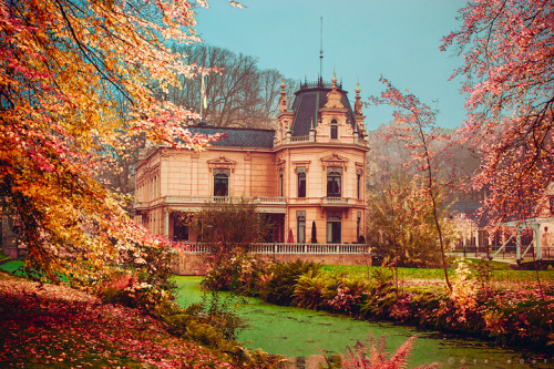 Le petit Chateau by =Oer-Wout on deviantART