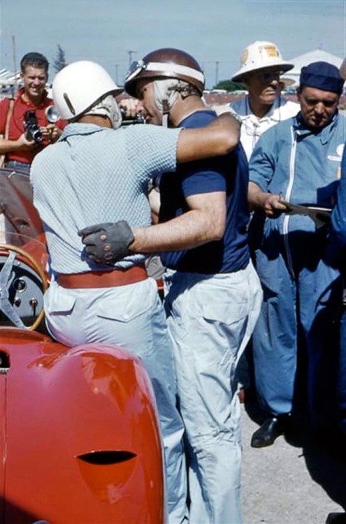 Sebring 1957, Stirling Moss & Juan Manuel Fangio having a chat.. www.theretromobilist.com