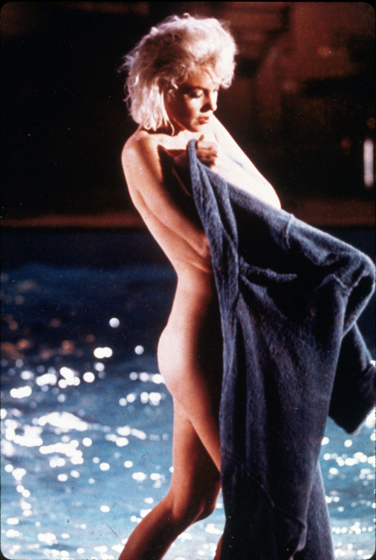 thelegendsofhollywood:  Marilyn Monroe photographed by Lawrence Schiller during the filming of Something's Got to Give (1962).  (via imgTumble)