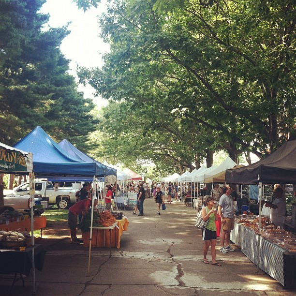 Wooster square farmers market just getting started (Taken with Instagram)