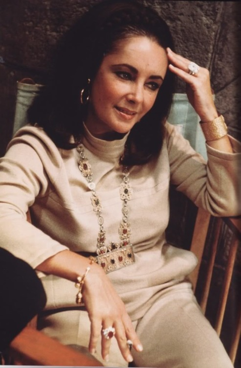 whosafraidofelizabethtaylor:  Elizabeth on the set of 'Anne of the Thousand Days'
