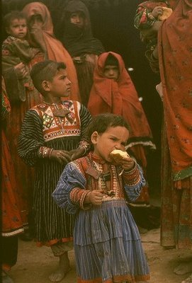 antieverythingism:  Kuchi children in Afghanistan.