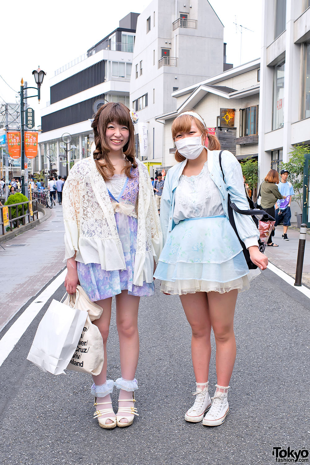 Fun girls on Cat Street in Harajuku w/ Converse, American Apparel, Nadia & more.