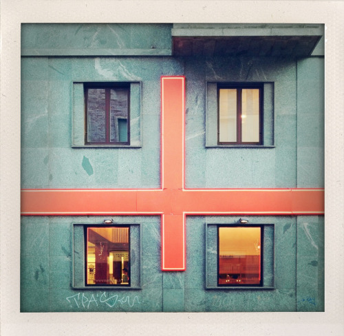 Red cross - Milano, via Settala