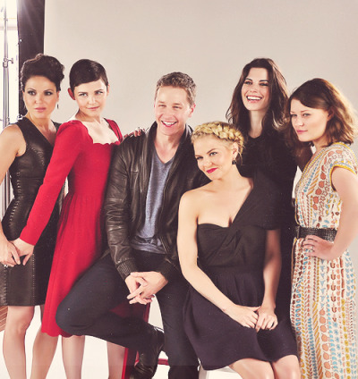 The cast of #OnceUponATime is living happily ever after on our Comic-Con yacht! #SDCC (x)  SEASON2SEASON2SEASON2SEASON2SEASON2SEASON2SEASON2SEASON2!!