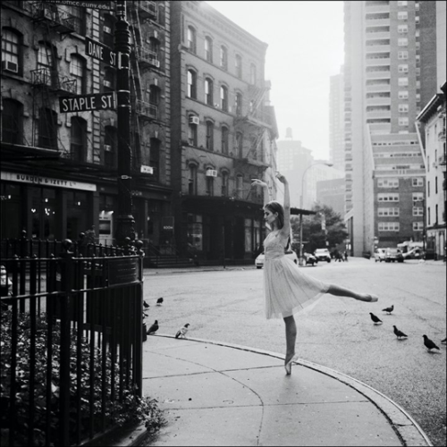 valerie-jeanne:  From The Ballerina Project.  Amazing project - you should look it up, all the photographs are amazing; celebrating the juxtaposition of dance with the urban and natural worlds. In this photo: Violeta in Tribeca