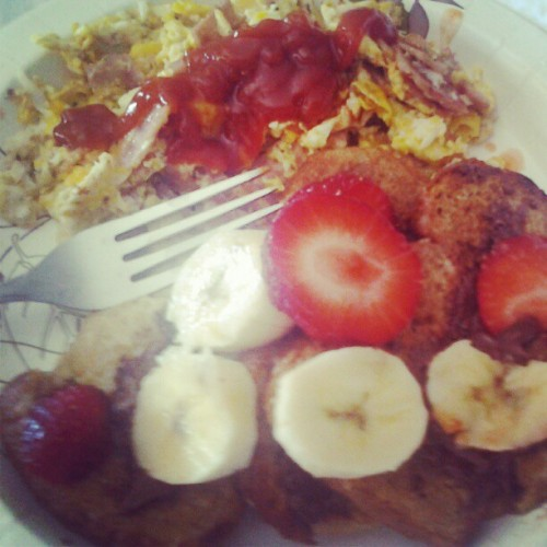 Nutella Strawberry && Bananas French Toast Done By Me(: #Breakfast #Yummy (Taken with Instagram)