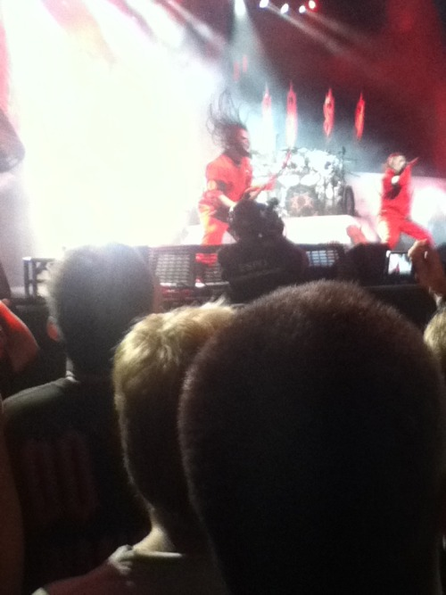 Slipknot @ The Rockstar Energy Drink Mayhem Festival, Part 1, Tampa, FLOne of the most amazing performances I've seen, great stage presence, the band was really interactive, pyrotechnics, lots of effects, a really cool performance :)