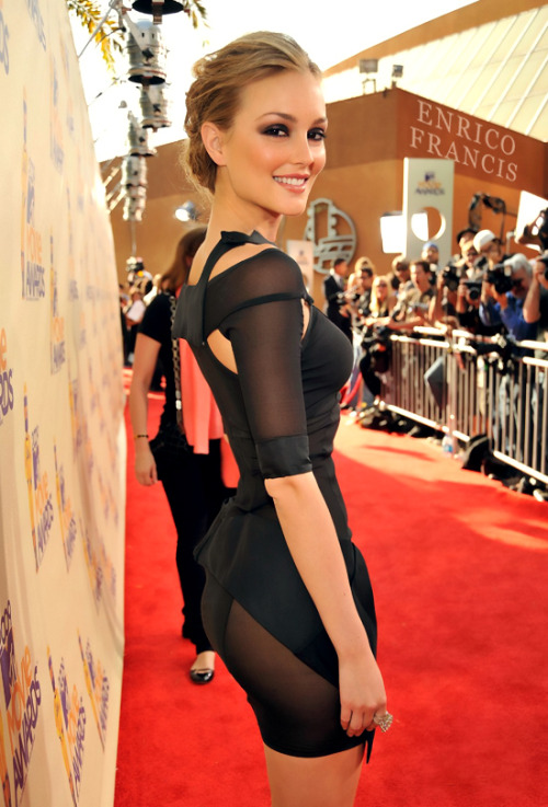 infinitbeauty:  luxurytimesluxury:  Amazing Leighton Meester  that dress»>