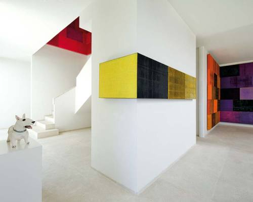 Imposing house in Cadiz dominated by art