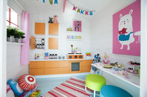 kauniste:  Some of our products were featured in this cute play house.