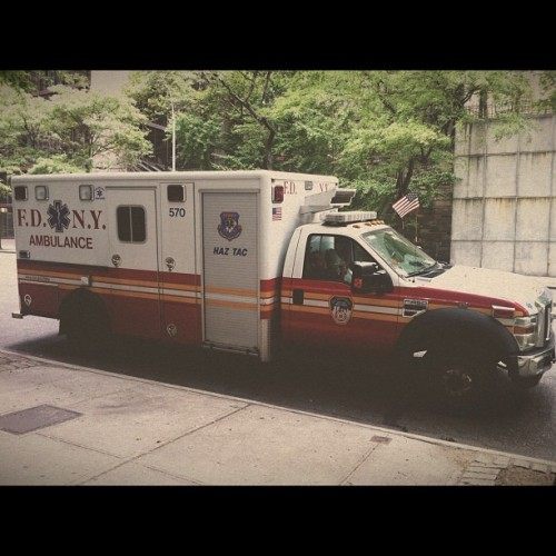 #vsco #fdny #nyc #newyork #haztac #paramedic #ems #emt #cpr  (Taken with Instagram at Tudor City Park)