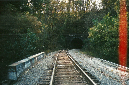 arquerio:  Railroad by rgezelle3 on Flickr.