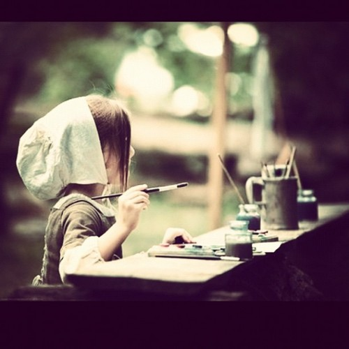 ayenicolle2012:  #artsandcrafts #littlegirl #painting #amish (Taken with Instagram)