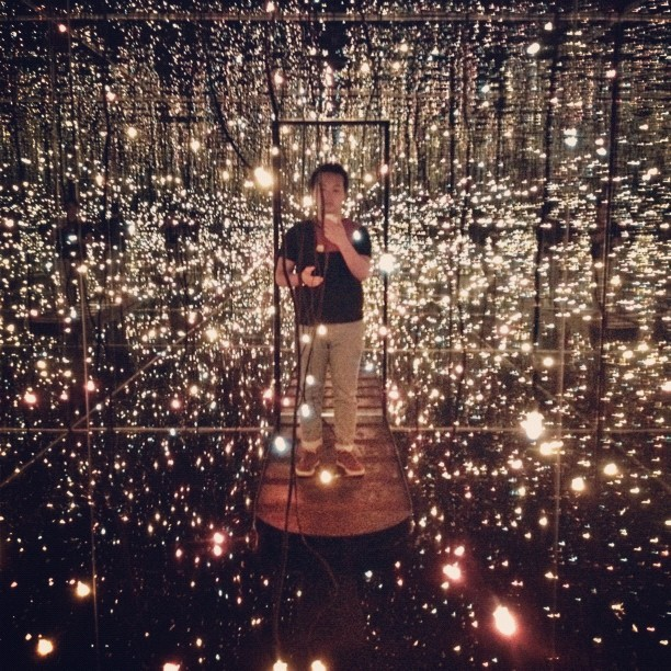 Me inside the Fireflies on the Water art installation by Yayoi Kusama! #草間彌生 #lvkusama #yayoikusama #japaneseart#art #artinstallation #nyc #newyorkcity #fireflies  (Taken with Instagram at Whitney Museum of American Art)