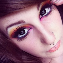 I need to get me some circle lenses! #makeup #sugarpill #sleek #acid #acidpalette #dollipop #asylum #love #tako #flamepoint #buttercupcake  (Taken with Instagram)
