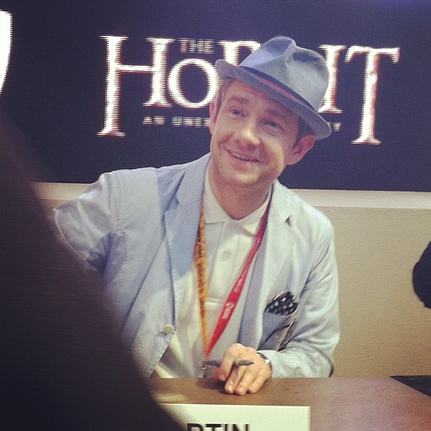 Martin Freeman signing autographs at San Diego Comic Con. I love his hat! He looks so adorable! Wish I could have been there.  Source (x)