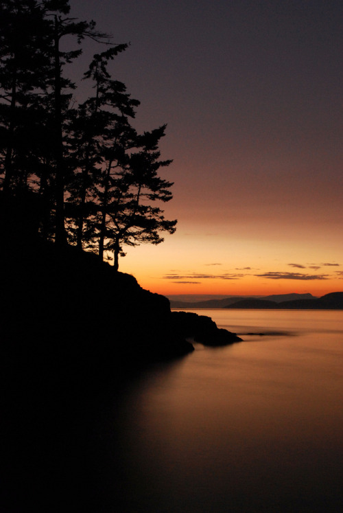 landscapelifescape:  Deception Pass State Park, Washington State, USA end of the day (by Joel deWaard)