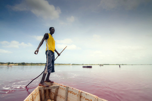 pentastarinthestyleofdemons:  Lake Retba, Senegal by yeryi