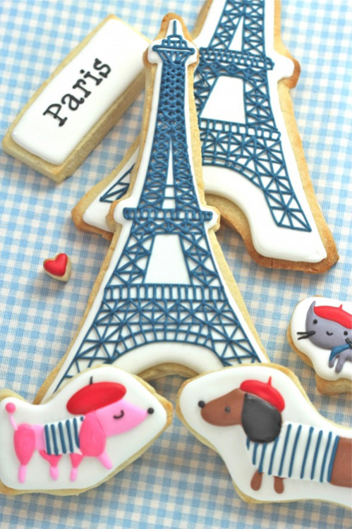 jongenandmeisje:  (via bonnes vacances & paris themed cookies | the style files)