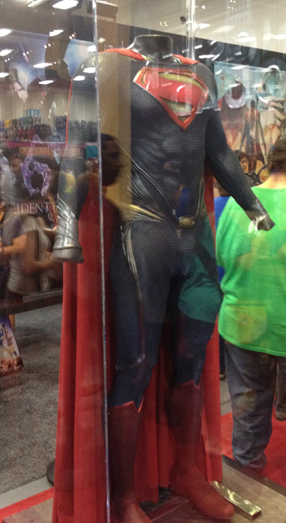Man of Steel Superman costume picture from Comic-Con 2012 floor