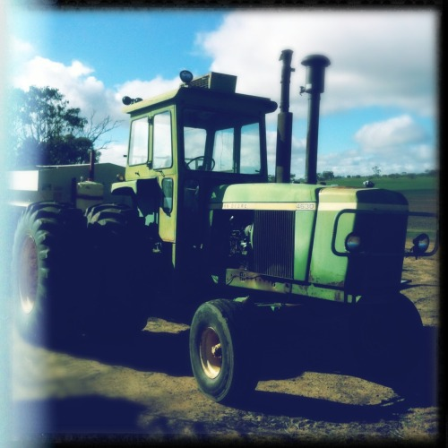 #tractor #johndeere #farm #farmequipment #machinery #farming #old #green  Americana Lens, Dylan Film, No Flash, Taken with Hipstamatic
