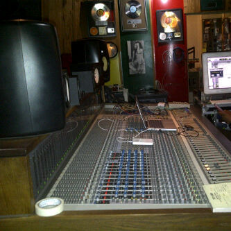 Tuff Gong Studio  (Jamaica) mixing session