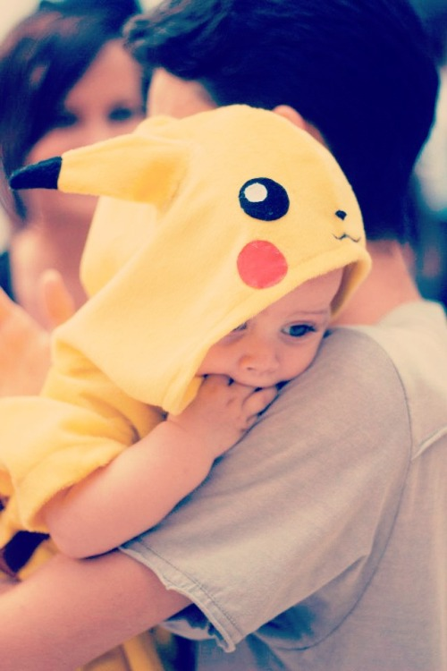 ashxcore:  littlezombiekid:  I need this for my son.  I need a sprog so I can make it wear this