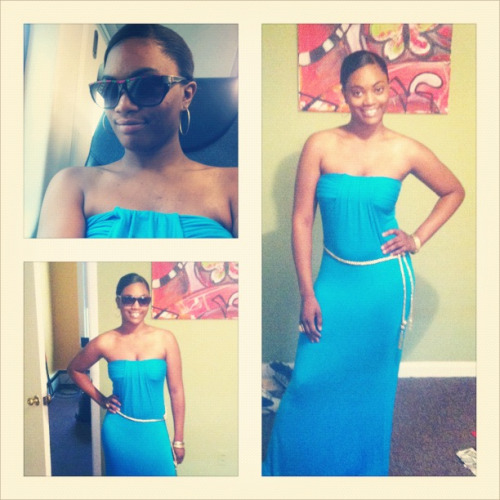 Today headed to NYC for the weekend!   STYLE SNAPSHOT: aqua maxi dress given to me by my older sister a couple years ago