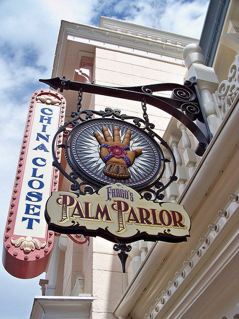 Fargo's Palm Parlor by Loren Javier on Flickr.