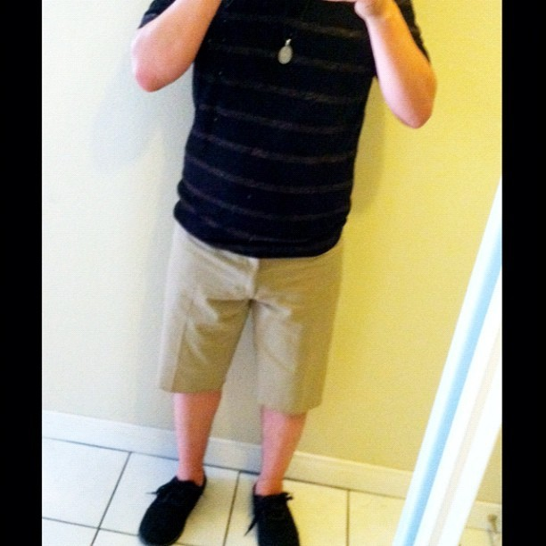 My #outfit for #Portugal? Check. 👍 #toms #laceup #cargos #shorts #kackis #shirt #fashion #necklace #me #gay #gayboy #boy #instagram #selfportrait #portrait #mirror (Taken with Instagram)