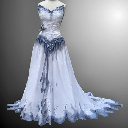 "crowqueenvannie:  This is so beautiful. Reminds me of the dress that was in ""Corpse Bride"" movie."