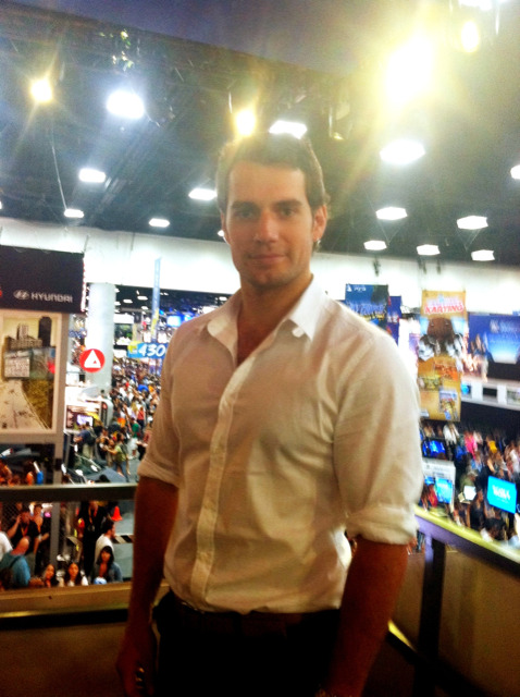 becomethevillain:  Henry Cavill at Comic Con for Man of Steel (via @wbpictures)  FOR PIA!