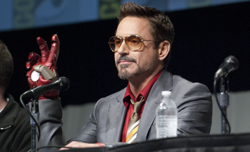 wearnocrowns:  Ladies and gentlemen, Robert Downey Jr. You may know him by his real name, Tony Stark. I TOOK WAY TOO MANY PICTURES BUT I DON'T CARE