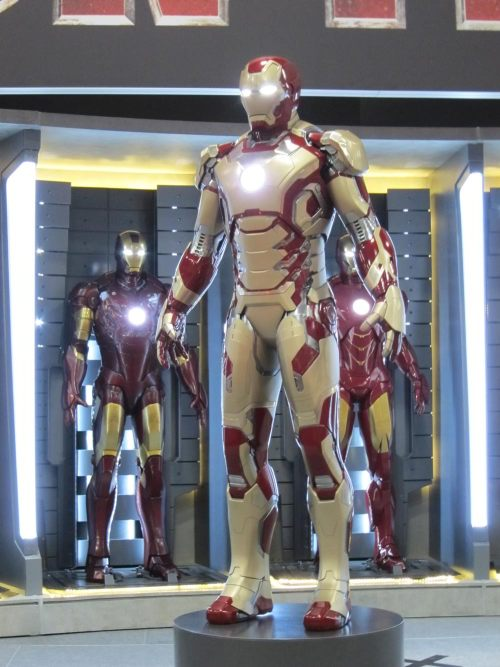 "comicsforever:  Iron Man - Mark VIII // by Marvel Studios (2012) It was revealed in SDCC the new suit of armor that Tony will don in Iron Man 3. Mark VIII is here and it looks a lot like the current extremis-powered armor seen in comic books (but a lot more golden). What do you think of this new suit? I believe it needs a little more of work…  I would have to be in agreement with comicsforever, it needs a little more work. I would suggest adding some crimson to the chestplate, abdomen, shoulders, and the lower legs. Still not quite sold on the ""fleshy"" gold color, but   it does make sense with the storyline. That is if they are indeed going the Extremis route."