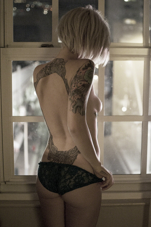 And another one from a shoot with Alysha Nett, I posted this on my photo Tumblr page: steveslefteye:   Model: Alysha NettPhotographer: Steven WilliamsLocation: Hollywood, CAwww.steveslefteye.comwww.facebook.com/steveslefteyewww.facebook.com/isstevestillalive