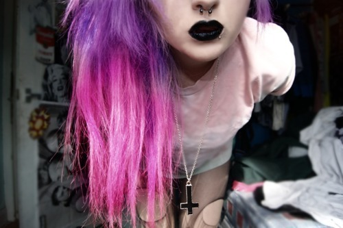 everything about this is beautiful ^_^ and the hair omagarwd http://weheartit.com/entry/15472830