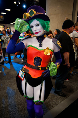 keaneoncomics:  San Diego Comic-Con 2012 Day 3 (by Dvann562)
