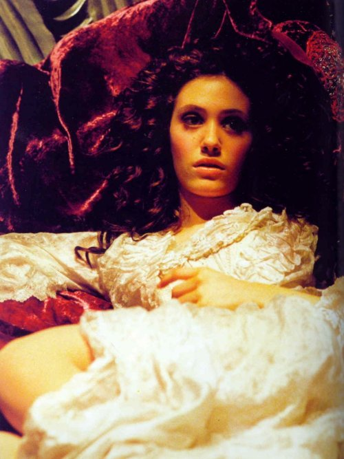 moreperioddramastills:  Emmy Rossum in The Phantom of the Opera (2004)