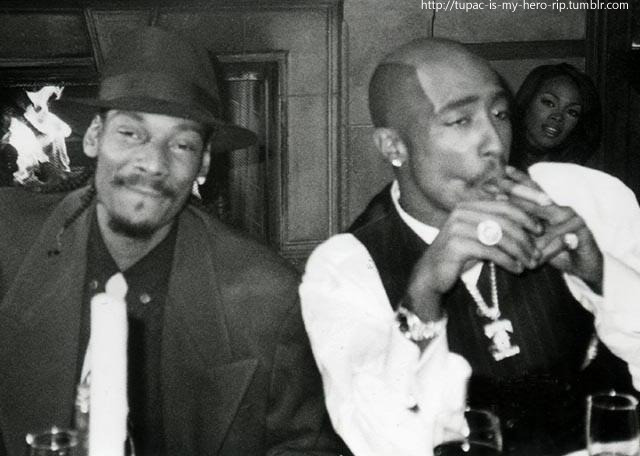 tupac-is-my-hero-rip:  super rare pic snoop and pac.