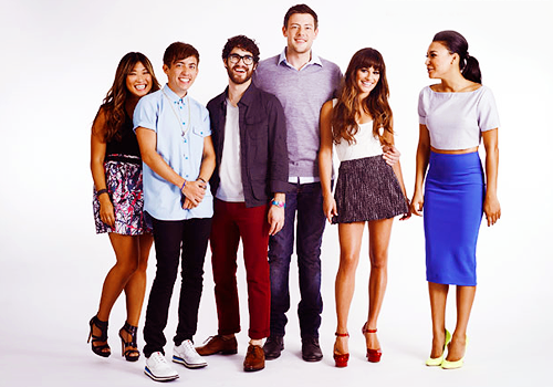iampartofsomethingspecial:  allcory:  faithfullygleeking:  accio-monchele:  spashley:  cory monteith and his five children  no. cory monteith, his wife and his four chlidren  no. cory monteith, his wife, his 3 children and their aunt naya  no. cory monteith, his wife, his 2 children and their aunt naya. and also their uncle darren who lives in their basement.  'uncle darren who lives in their basement'